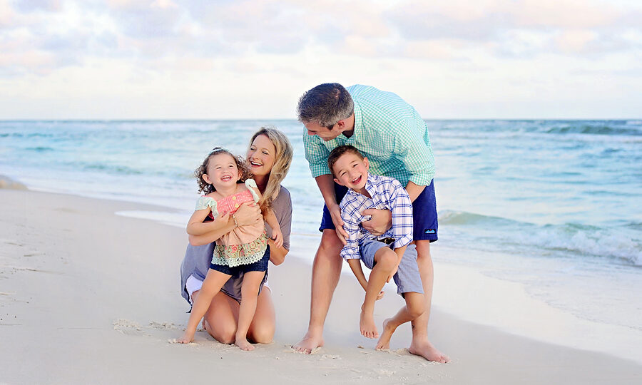 Family photos on the beach in South Walton in Florida near Seaside and Grayton Beach in Florida.